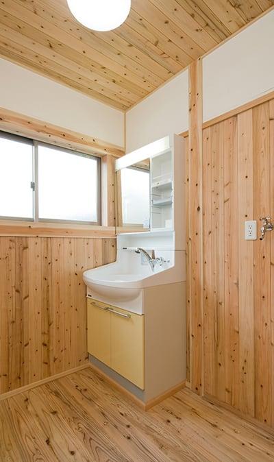 国産の木材を使った音響熟成木材